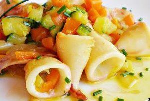 salteado-puntas-calamar-verduras-T-YrAWRO