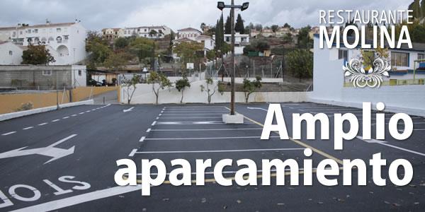 Amplio aparcamiento en Restaurante Molina
