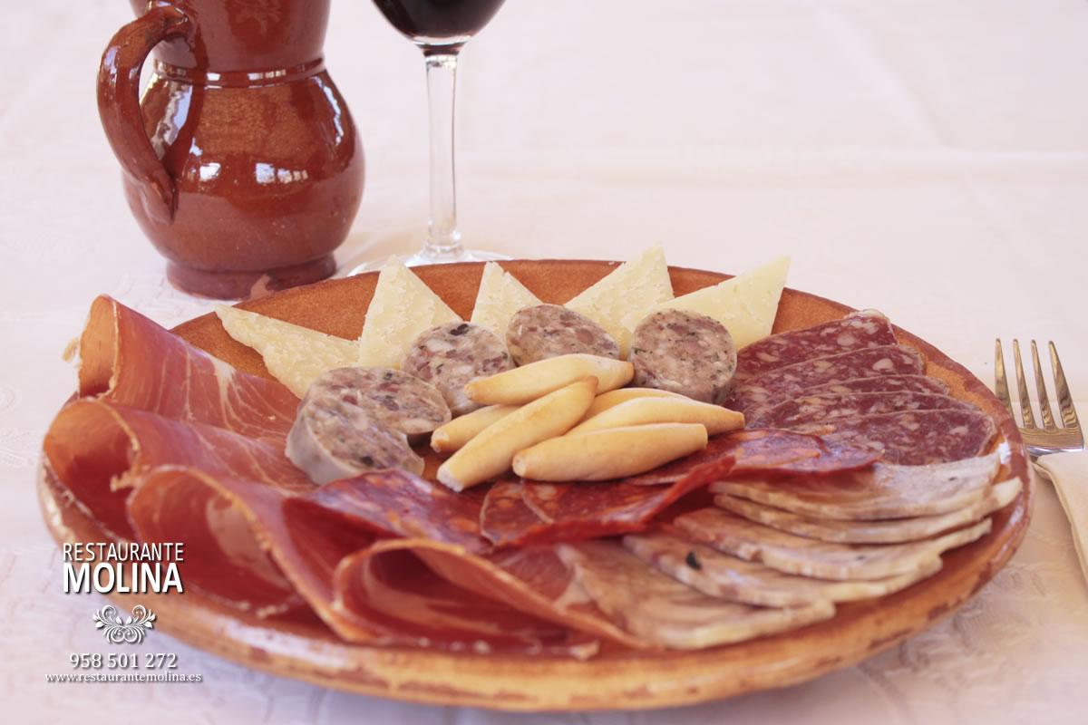 Surtido de embutidos en Restaurante Molina