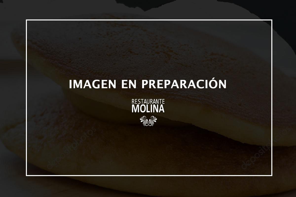 Dorayakis con helado de vainilla en Restaurante Molina