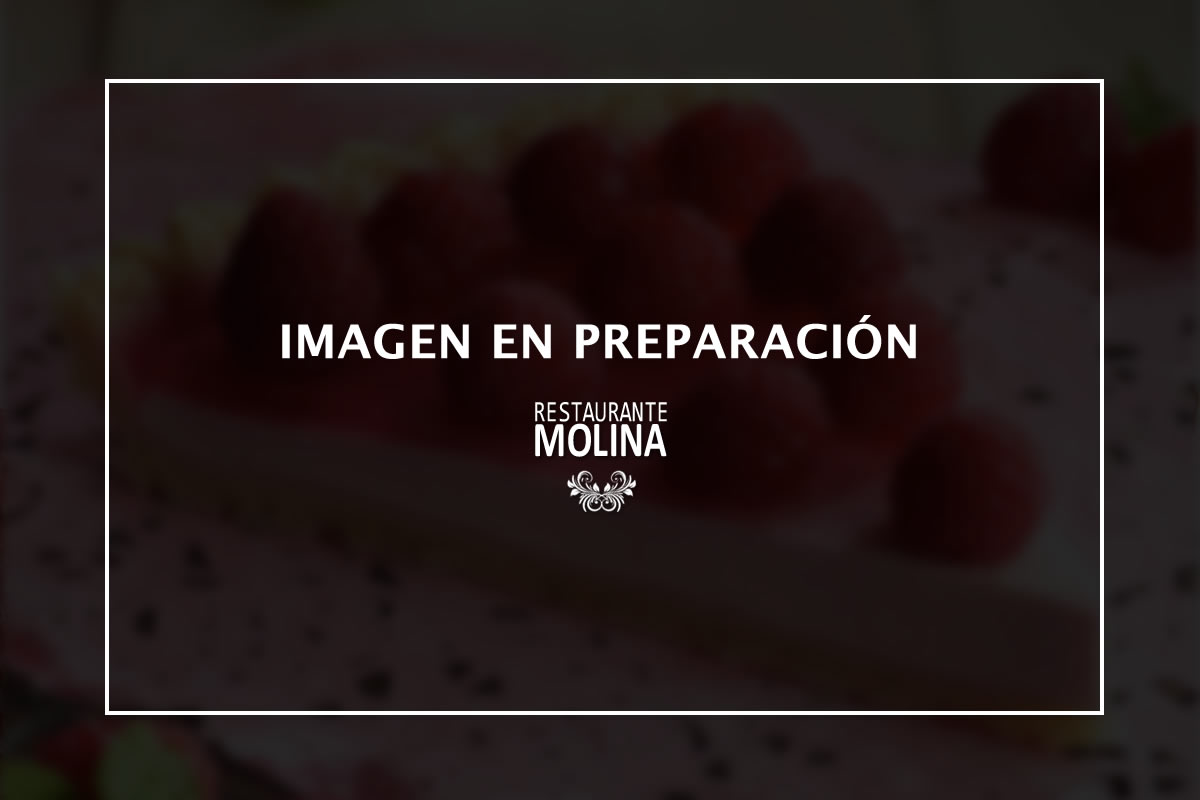 Tarta de frambuesas y almendras en Restaurante Molina