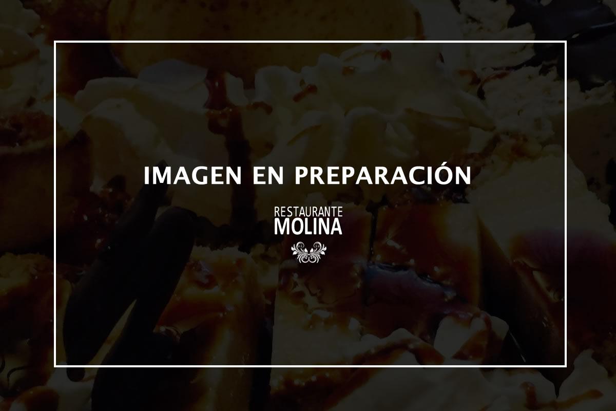 Surtido de postres en Restaurante Molina de Huétor Vega